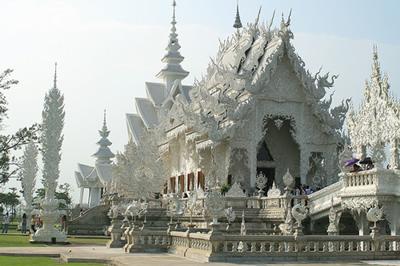 1. Wat Rong Khun, Thailand